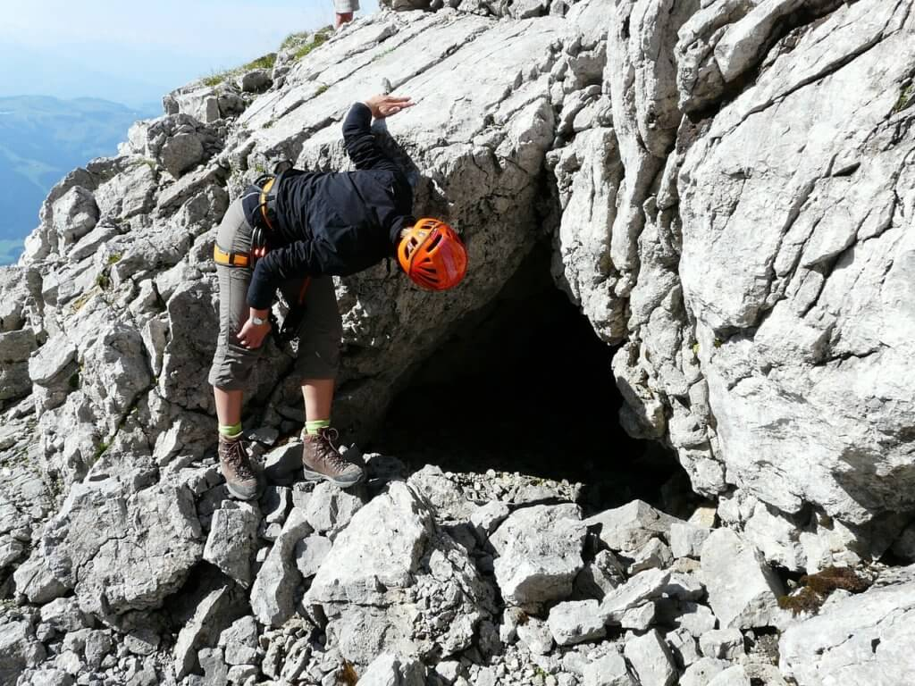 Barlangkutatás